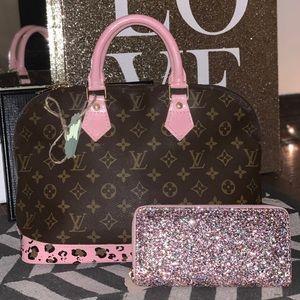 Louis Vuitton Alma satchel purse bag tote